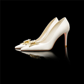 With Rhinestones Metal Jewelry Bridals Wedding Shoes With Flower Pointed Toe Satin Stiletto Heels 8 cm High Heels White Pumps Elegant