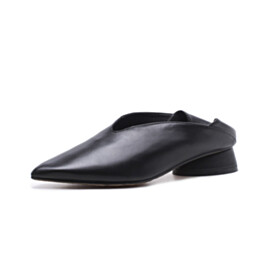 Slip On Women Shoes Classic Thick Heel Leather Pointed Toe Loafers 1 inch Low Heel Vintage